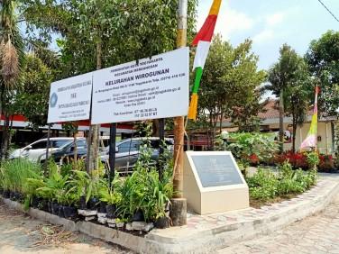 Kelurahan Wirogunan Terbaik 1 Kategori LBS dan PHBS & KKG PKK KKBPK Kesehatan 2019