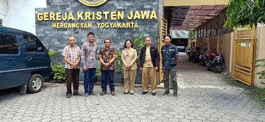 Menguatkan Aksi Keroyokan LUMINTU Kelurahan Wirogunan Melibatkan GKJ Tamansiswa