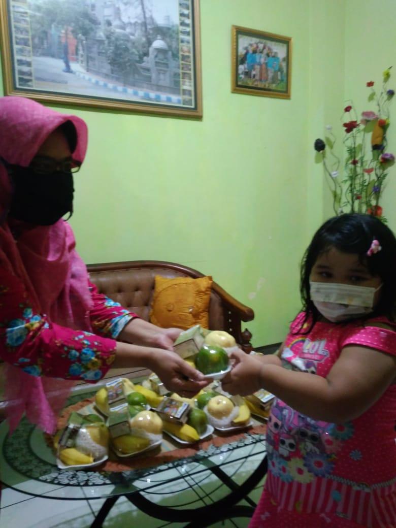 Masa Pandemi Covid-19, Pengelola PAUD Mekarsari 24 Berikan PMT